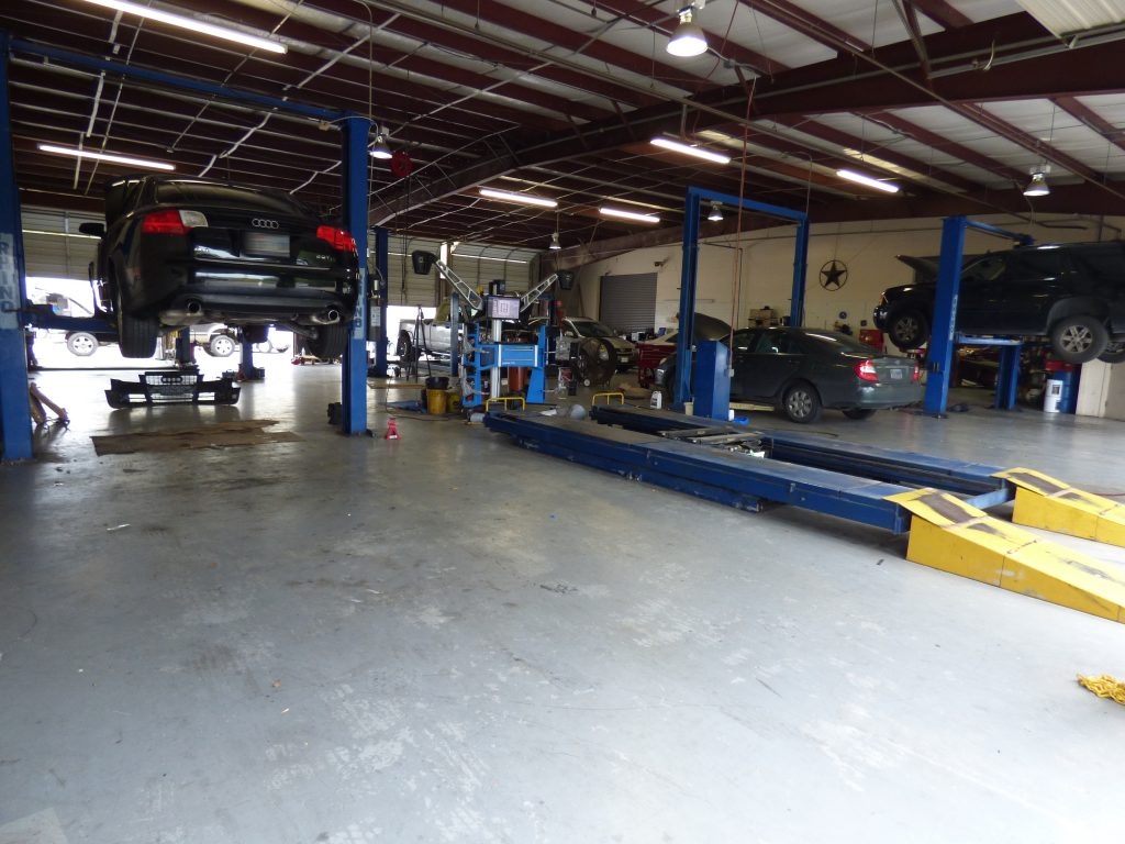 Auto Mechanical Repair Shop